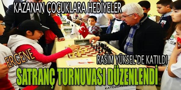 Satranç turnuvası'nda hediyeler dağıtıldı