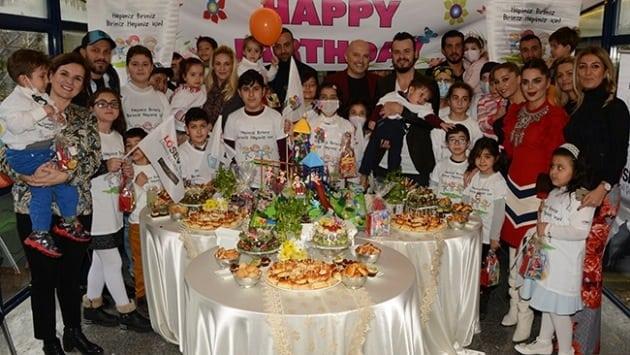 Lösemili çocuklar için her ay doğum günü partisi