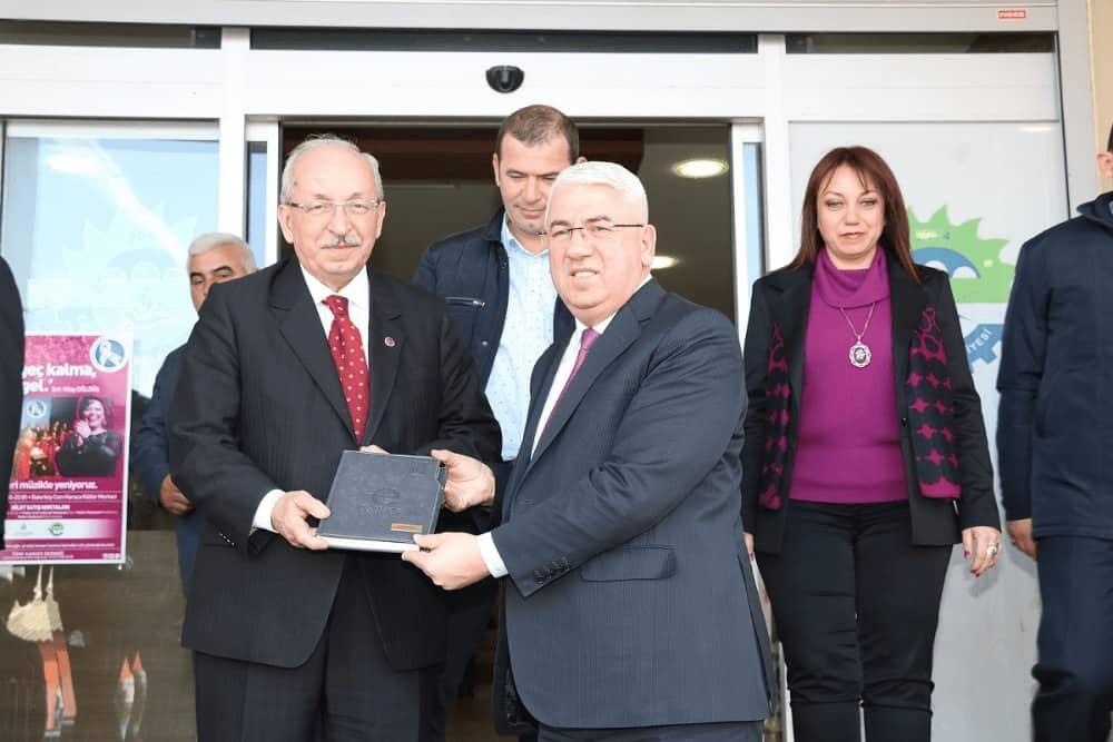 Büyükşehir Belediye Başkanı Kadir Albayrak Ergene'de Yapılan Yılın İlk Meclis Toplantısına Katılım gösterdi