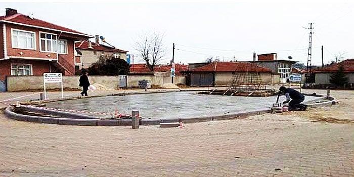 Atatürk Meydanı inşa ediliyor