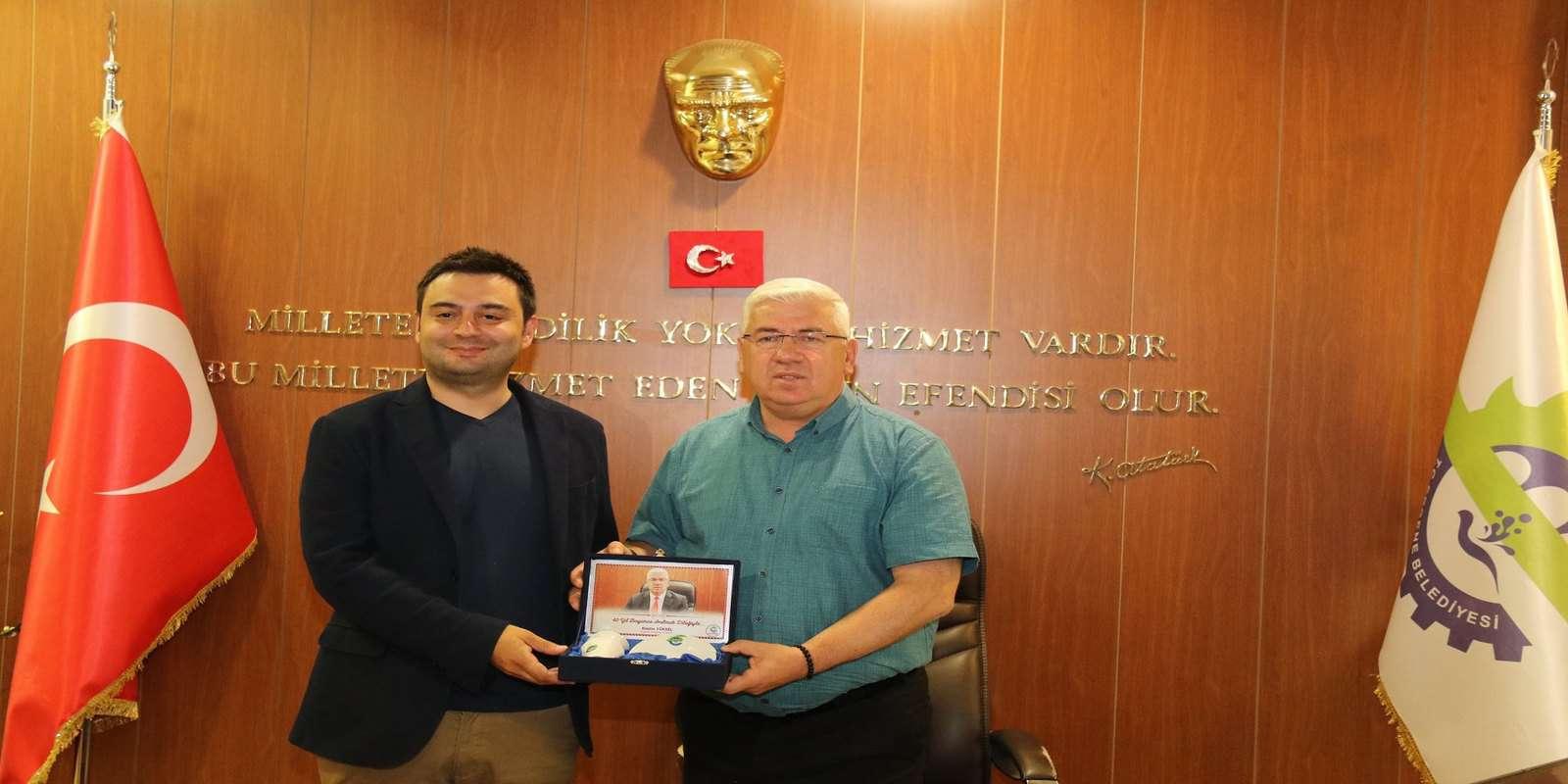 Çorlu TSO Başkanı İzzet Volkan Ergene Belediye Başkanı Rasim Yüksel'i Makamında Ziyaret Etti