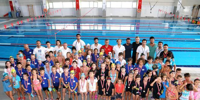 Festival Kapsamında Yüzme Yarışları Düzenlendi
