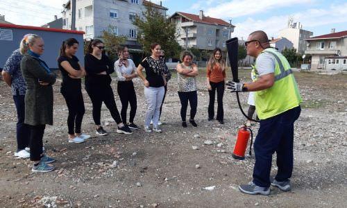 Beren Bebek Çocuk Akademisinde Yangın ve Deprem Tatbikatı Yapıldı